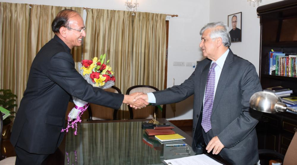 Dr. S.C. Gairola, Director General, ICFRE meeting with Dr. Krishan Kant Paul, Governor of Uttarakahand